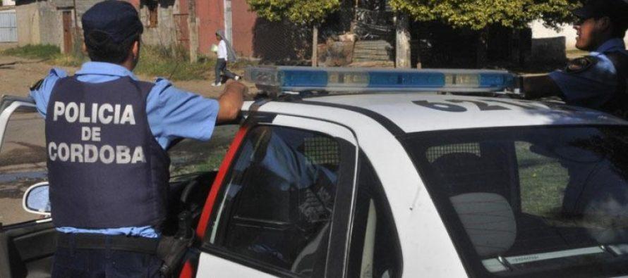 Tres menores se cayeron de una moto al escapar de la policía