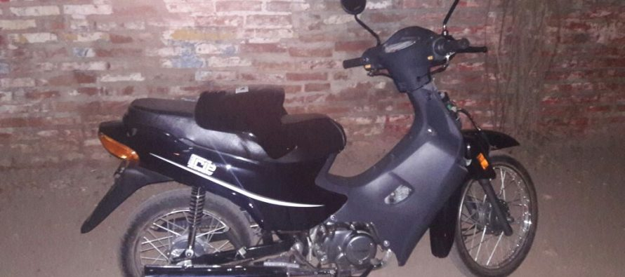 Una moto recuperada y un detenido por exceso de velocidad