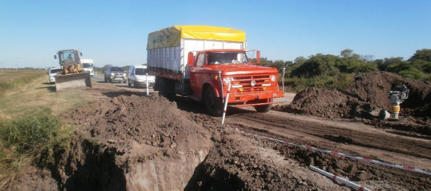 Trabajos de alcantarillado sobre Ruta Provincial 13