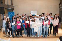 Entrega de 50 becas estudiantiles