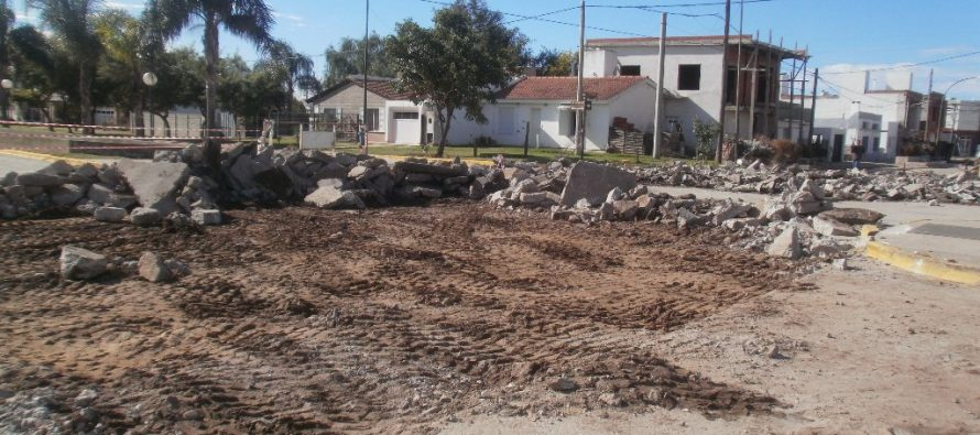 Continúan trabajos de renovación total de calles Córdoba-Morelli