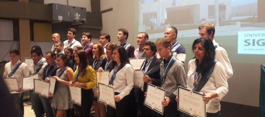 Entregaron Diplomas a  28 egresados de la Universidad Siglo XXI
