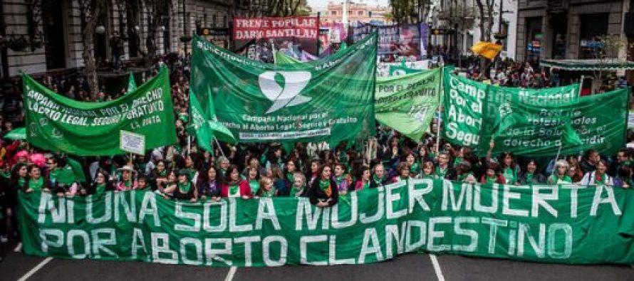 Aborto: la abogada Calderón se mostró partidaria de la legalización