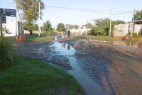Se hundió parte de una calle durante la lluvia de anoche