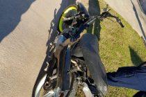 El clásico choque auto-moto dejó un conductor con serias lesiones