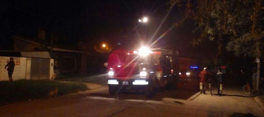 Un aparente cortocircuito provocó un incendio en una vivienda de calle España