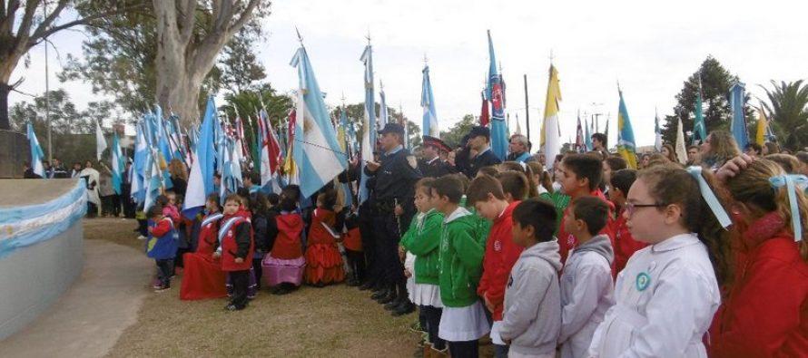 Celebración Día de la Bandera en Las Varillas-Imágenes