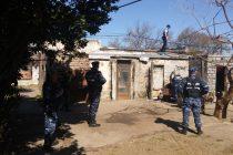 Dos allanamientos, un detenido y secuestro de material robado