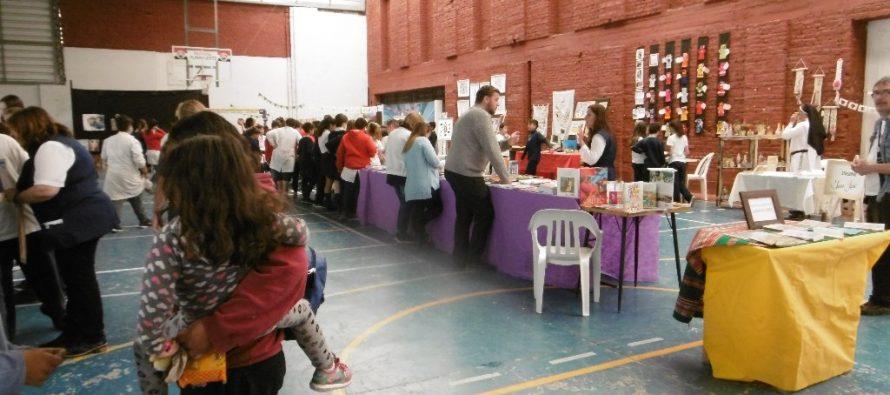 Feria de Arte y Libros en el Instituto de María Inmaculada