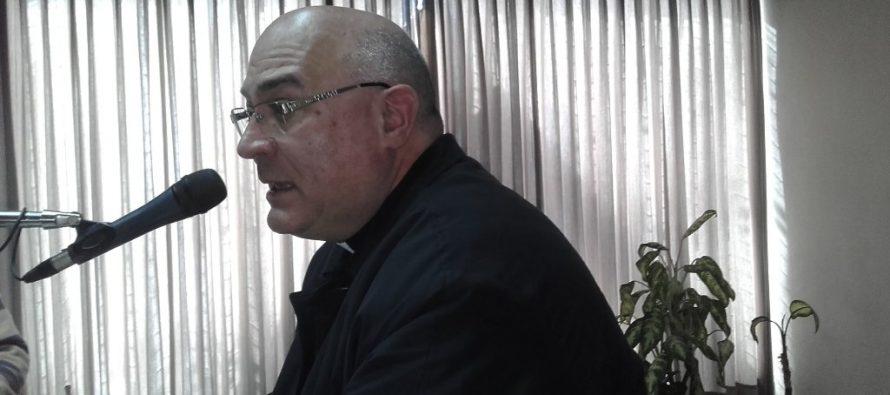Monseñor Cavallo opinó que están usando la figura del Papa para conveniencia de algunos