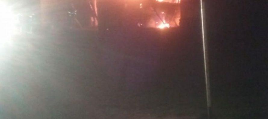 Ardió una vivienda precaria en Pueblo Chico