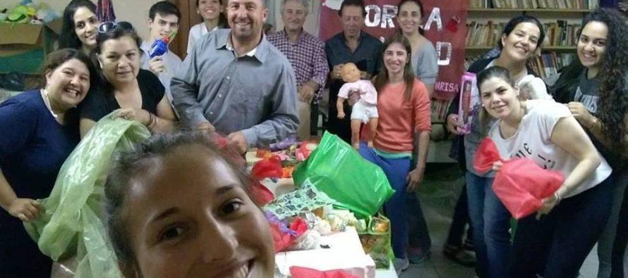 Centenares de juguetes listos para distribuir en los comedores de las escuelas