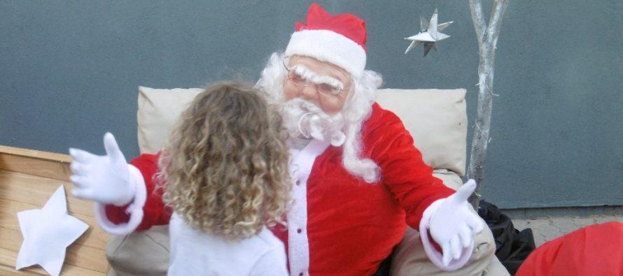 El Papá Noel del Interact recibió cartitas y se fotografió con los chicos