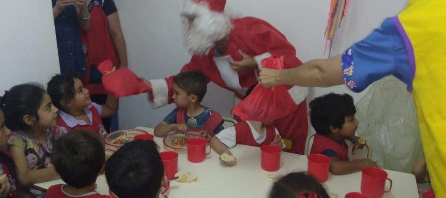 Comienza el regalo  de juguetes reunidos en la campaña «Unidos por una Navidad»