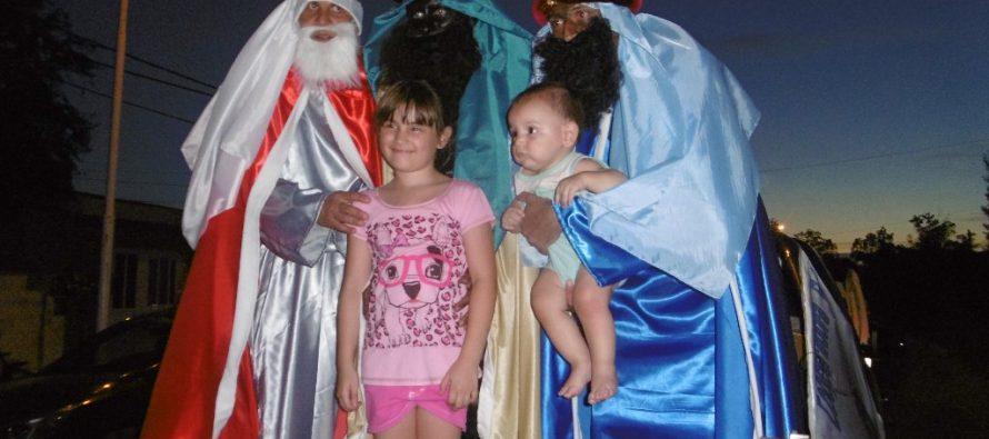 Los Reyes Magos Varillenses recorrieron los barrios