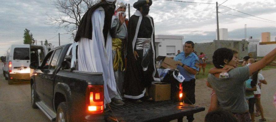 Los Reyes Magos repartirán golosinas este sábado en barrios de la ciudad