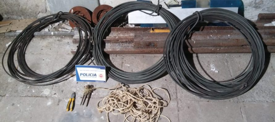 Detuvieron a dos sujetos oriundos de la provincia de Santa Fe, por robo de cables de energía