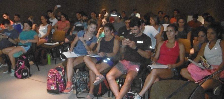 Cuarenta y ocho entrenadores de Educación Física de todo el país comenzaron un  curso de 10 días en Las Varillas