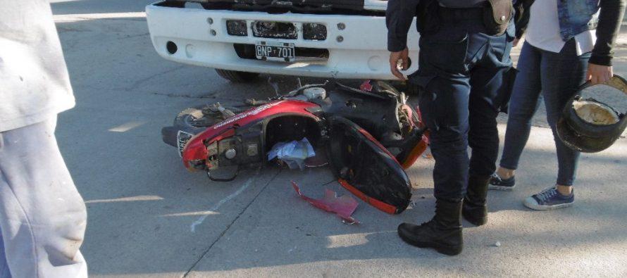 El choque nuestro de cada día en Las Varillas y un accidente sin consecuencias personales en Laspiur