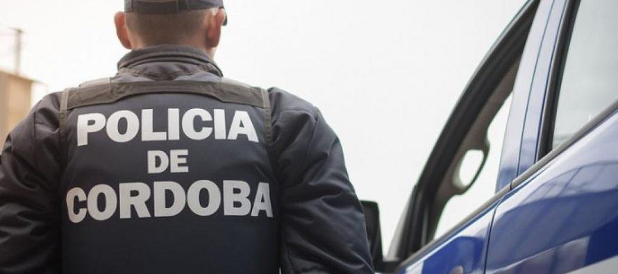 Secuestro de moto, postes hachados y violación de domicilio en el parte policial