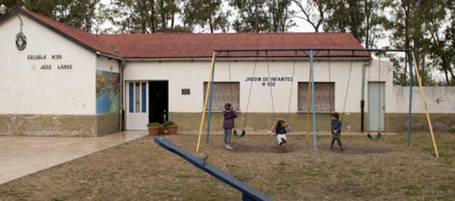 Roban e incendian escuela rural en La Playosa