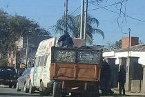 La Municipalidad asegura que los colchones descargados frente a la DAS son para Cáritas