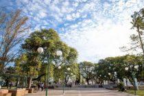 El acto del 17 de agosto será frente a la parroquia, porque no llegan con los trabajos en plaza San Martín