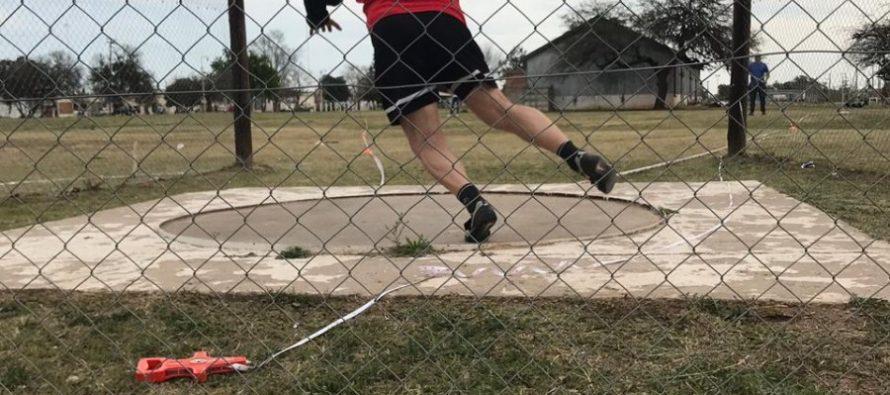 Dos nuevos récords de Gabriel Cardetti en Atletismo