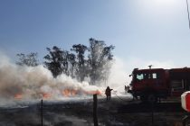 Bomberos de Las Varillas y Laspiur sofocaron un incendio cerca de Las Varas