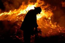 Bomberos Varillenses combaten incendios en zonas serranas