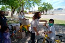 Comenzó la entrega de golosinas a niños de la ciudad