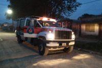 Convocaron a Bomberos por un incendio de basura en el patio de una vivienda