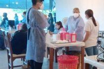 Vacunaron a mayores de 60 y 70 años este lunes en El Gran Hotel