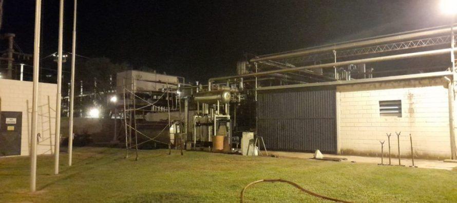 Cuatro dotaciones de bomberos se movilizaron para solucionar una fuga de gas amoníaco